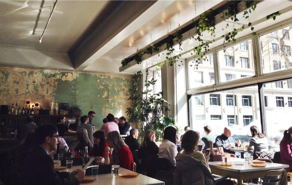 Cafe_Parvis
