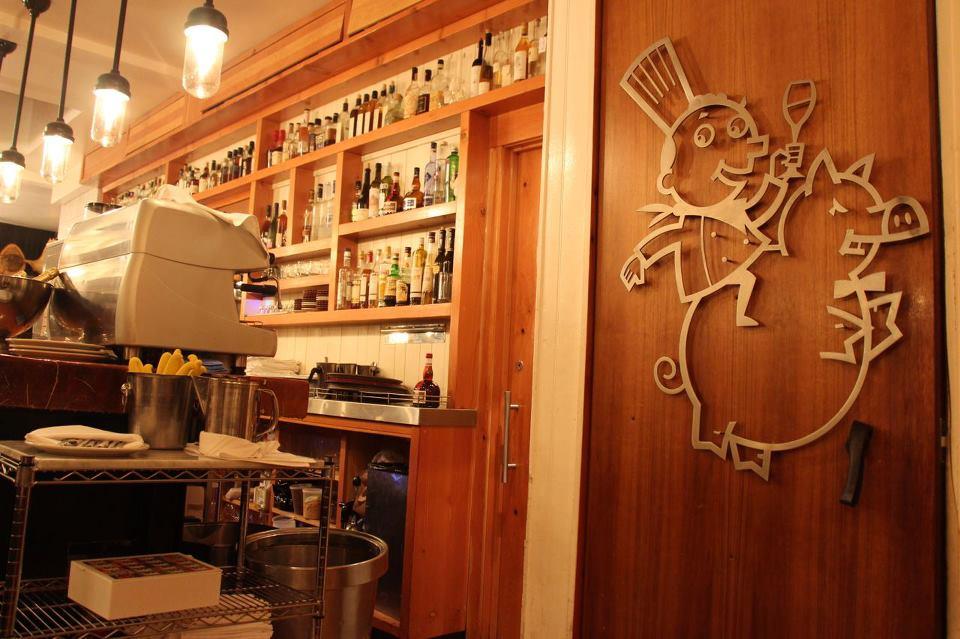 pied-de-cochon-restaurant-incontournable-montreal-10