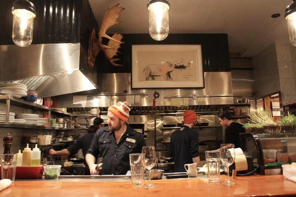 pied-de-cochon-restaurant-incontournable-montreal-4