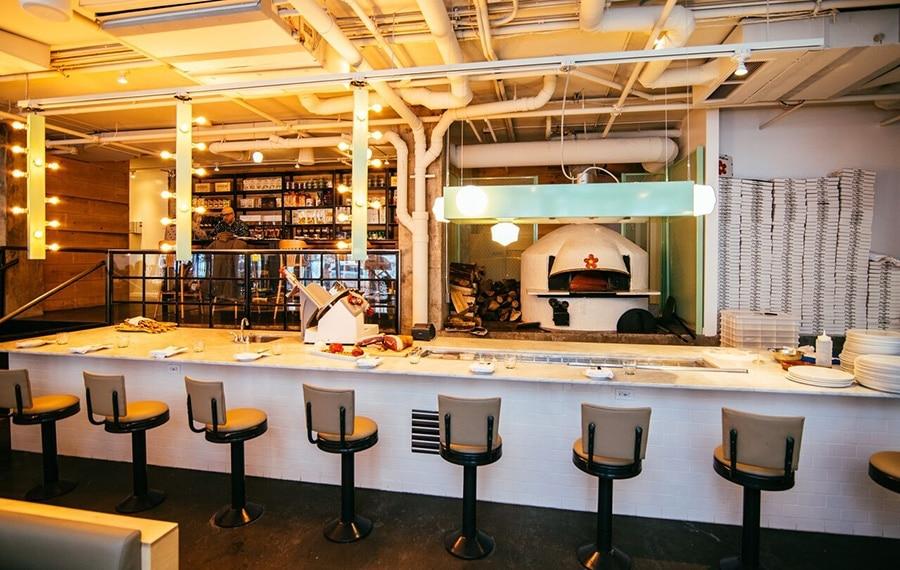 firellino-restaurant-snack-bar-pizza-vieux-montreal-1