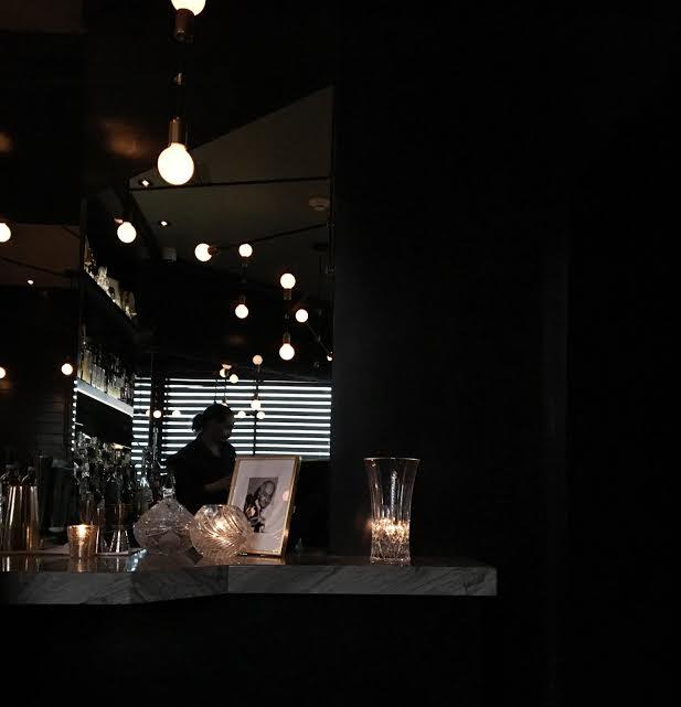 maison-cloakroom-bar-centre-ville-montreal-speakeasy-1