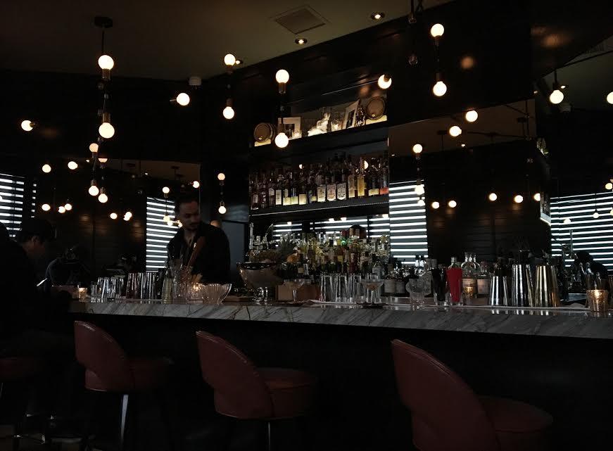 maison-cloakroom-bar-centre-ville-montreal-speakeasy-2