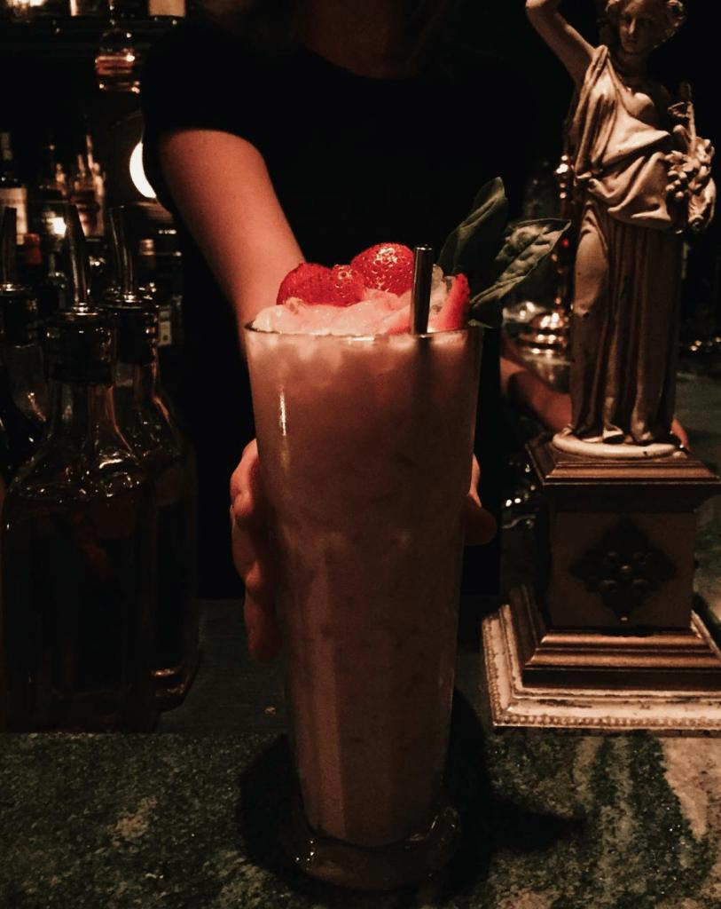 Atwater Cocktail Club St-Henri Bar montreal bar caché speakeasy