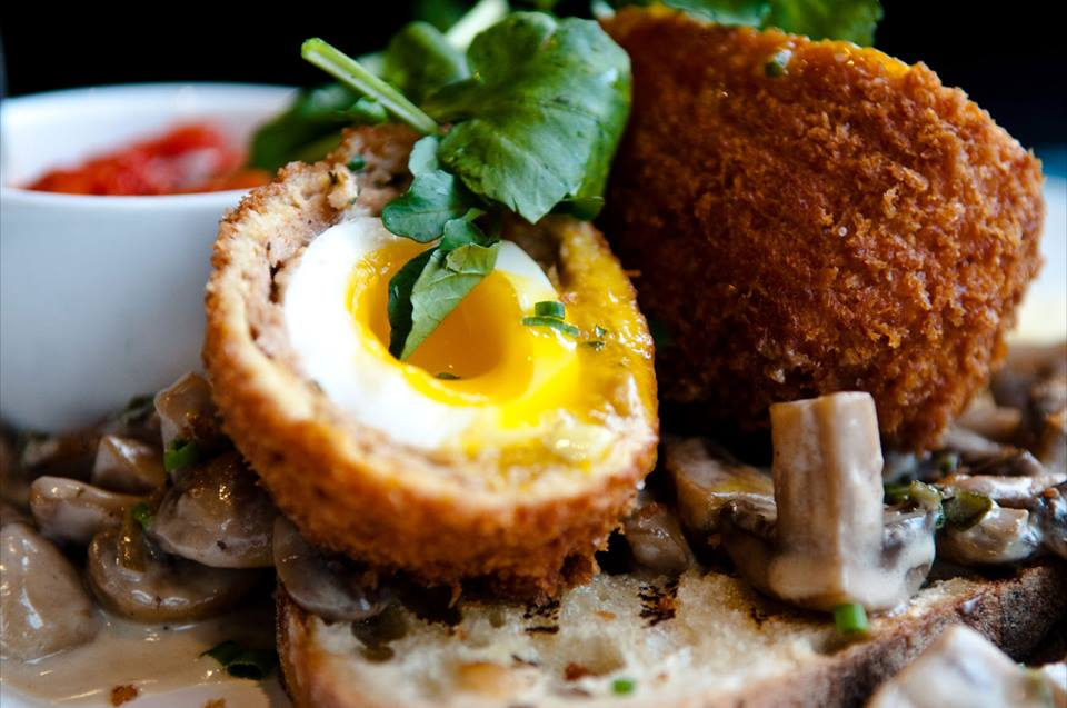 Régine Café: brunch dans Rosemont