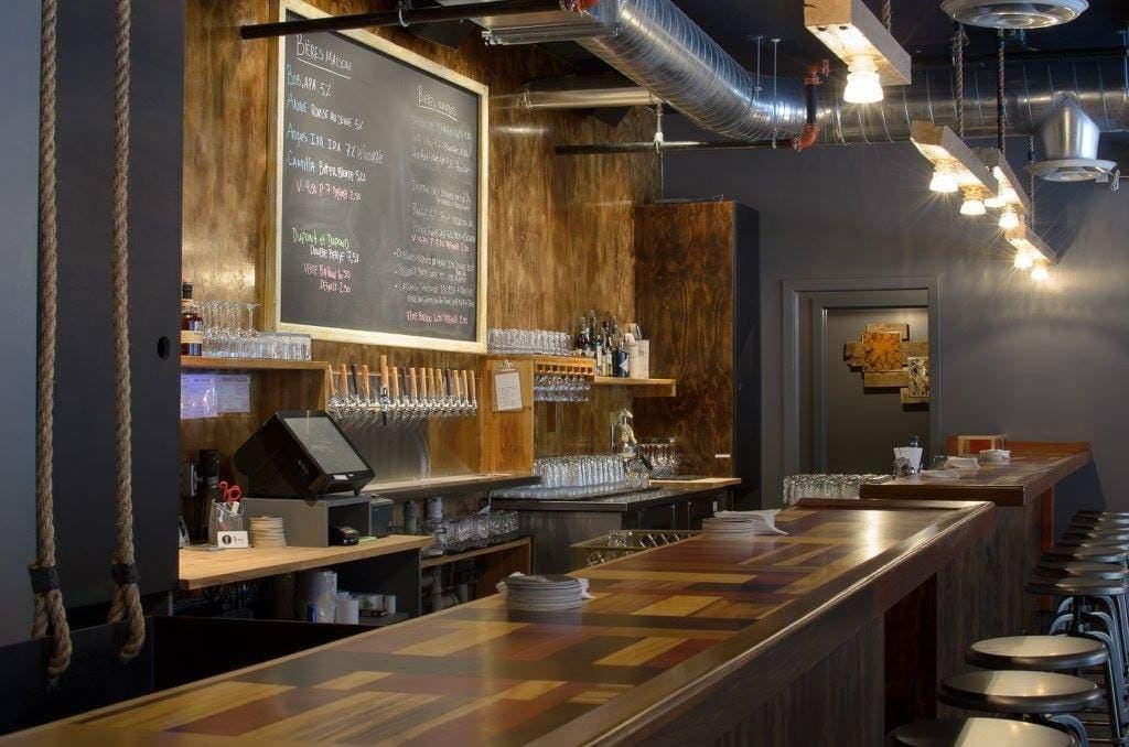 Birra bar bi res maison dans le quartier de la petite for Bar dans la maison