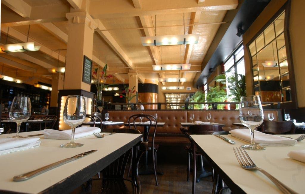 restaurant-holder-brasserie-vieux-montreal-3