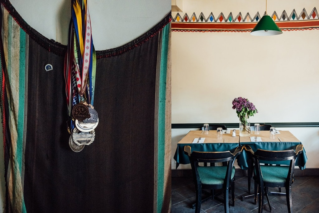 les-rites-berberes-couscous-terrasse-apportez-votre-vin-plateau-005