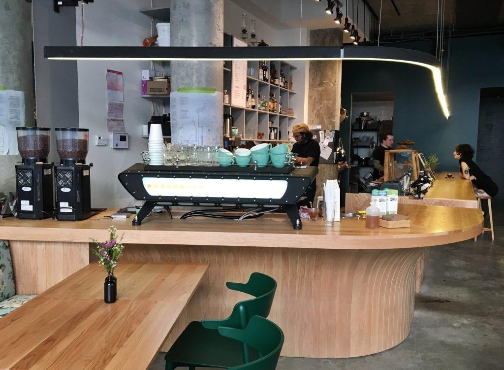 monopole-cafe-buvette-vieux-montreal-12