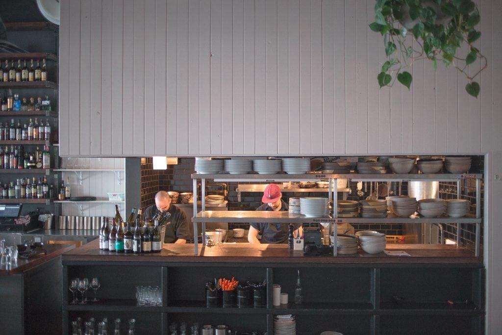 Oregon bar à vin : faire la fête et bien manger à Laval