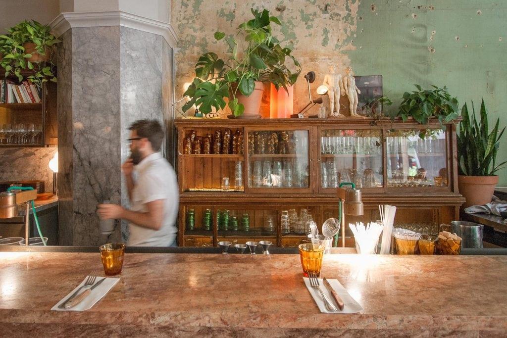 Café Parvis : magnifique café du Centre-Ville