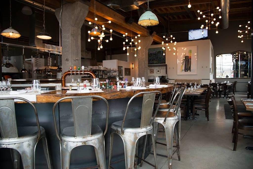 pizzeria caldo shops Angus restaurant montreal