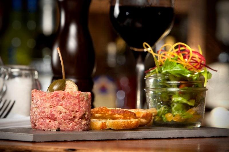 bidon taverne culinaire st-lambert restaurant