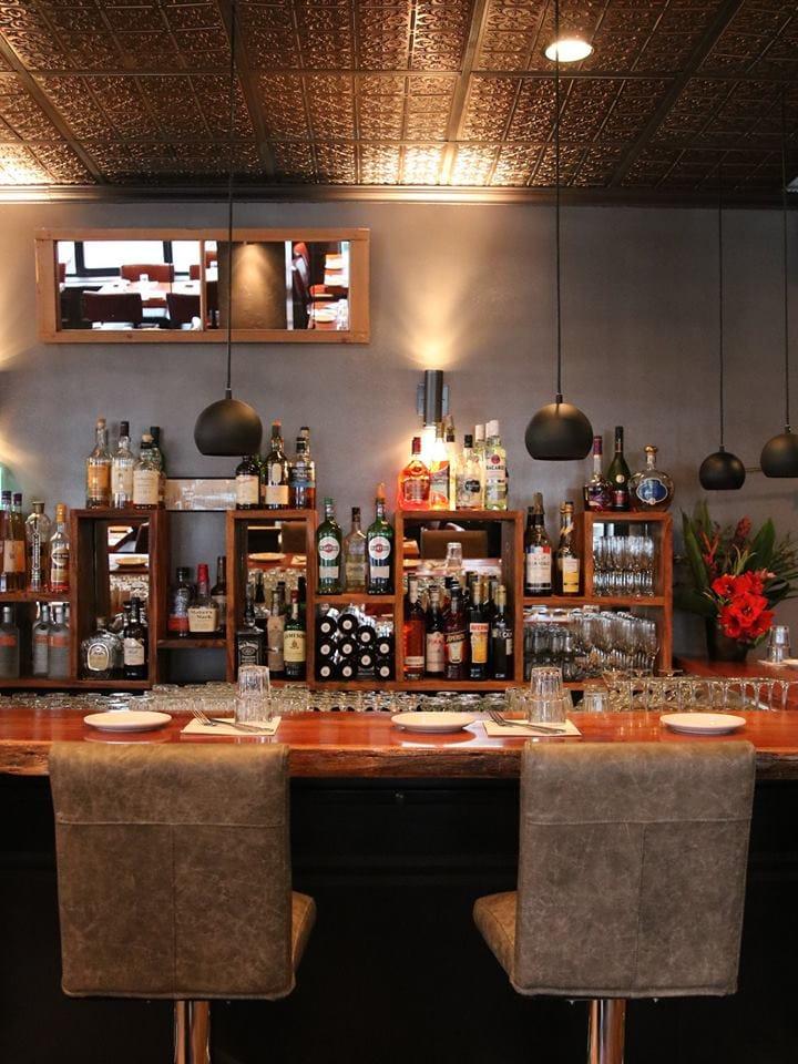 bidon taverne culinaire st-lambert restaurant1
