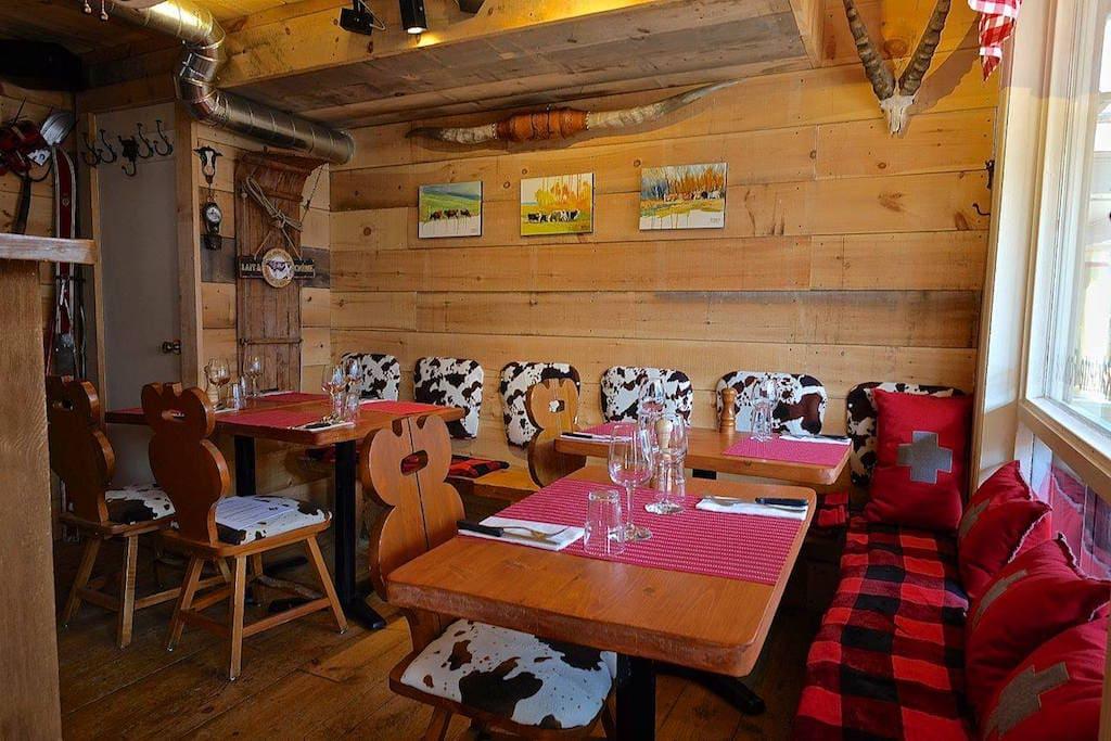 ah la vache restaurant apportez votre vin baie saint paul charlevoix