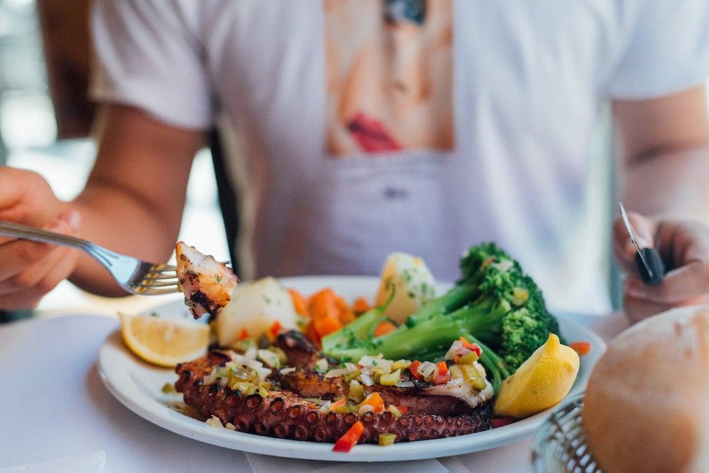 Chez Doval: institution de la cuisine portugaise montreal depuis 1974