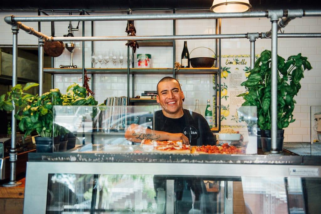 Farine comptoir pâtes fraîches fresh pasta counter pizzas Mile End Montreal St Viateur