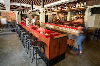loic bar montreal bar touriste