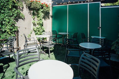 taverne Pelican bar belles terrasses montreal