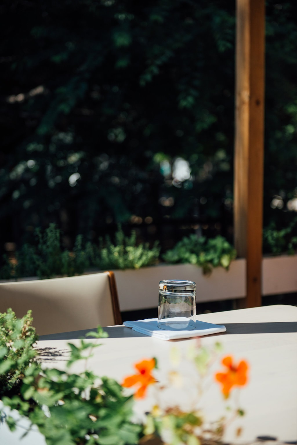 candide restaurant petite bourgogne little Burgundy montreal
