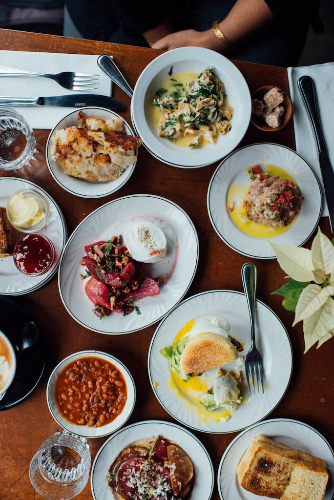 larrys restaurant fairmount mile end montreal