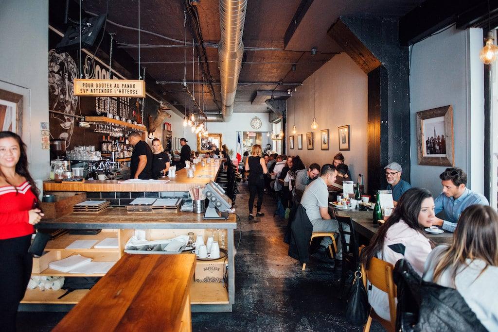 Bistro Passé Composé restaurant brunch Village Montreal