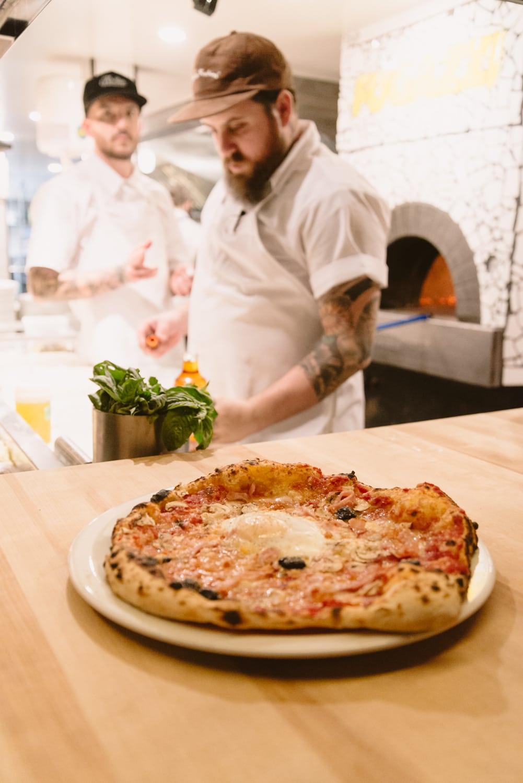 Fugazzi restaurant pizza montreal