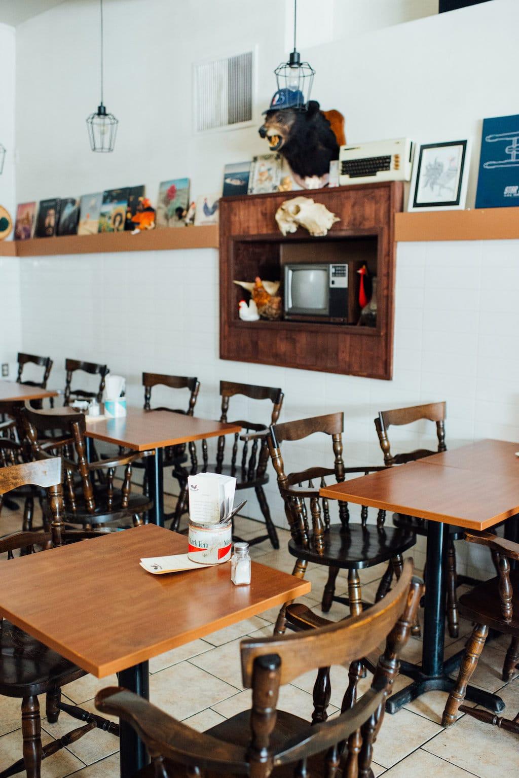 coq de l'Est tetraultville restaurant montreal