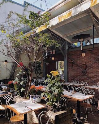 jardin de panos cinq restaurants avv estivaux