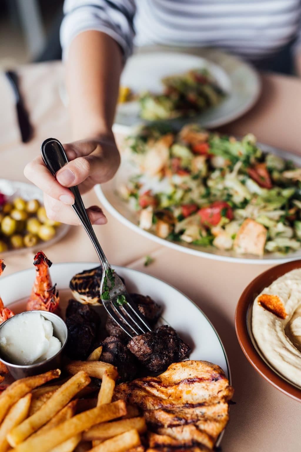 Daou restaurant libanais ville saint laurent montreal