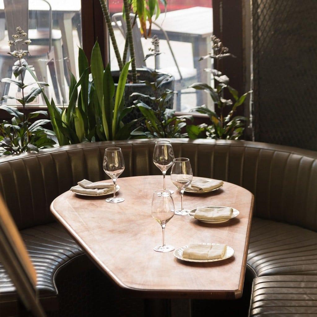 Table au Sobremesa