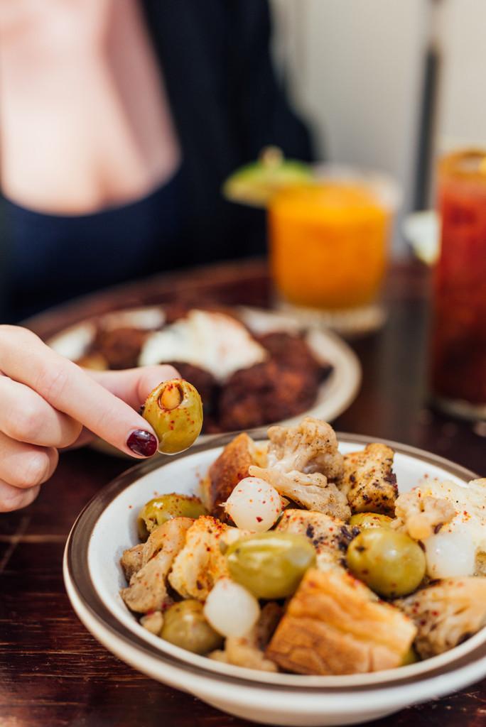 bar à flot food olives